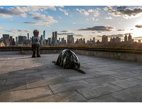 Huma Bhabha (born 1962, Karachi, Pakistan), The Roof Garden Commission: Huma Bhabha, We Come in Peace Installation view, The Metropolitan Museum of Art, 2018. © Huma Bhabha, courtesy of the artist and Salon 94 Image credit: The Metropolitan Museum of Art, Photograph by Hyla Skopitz